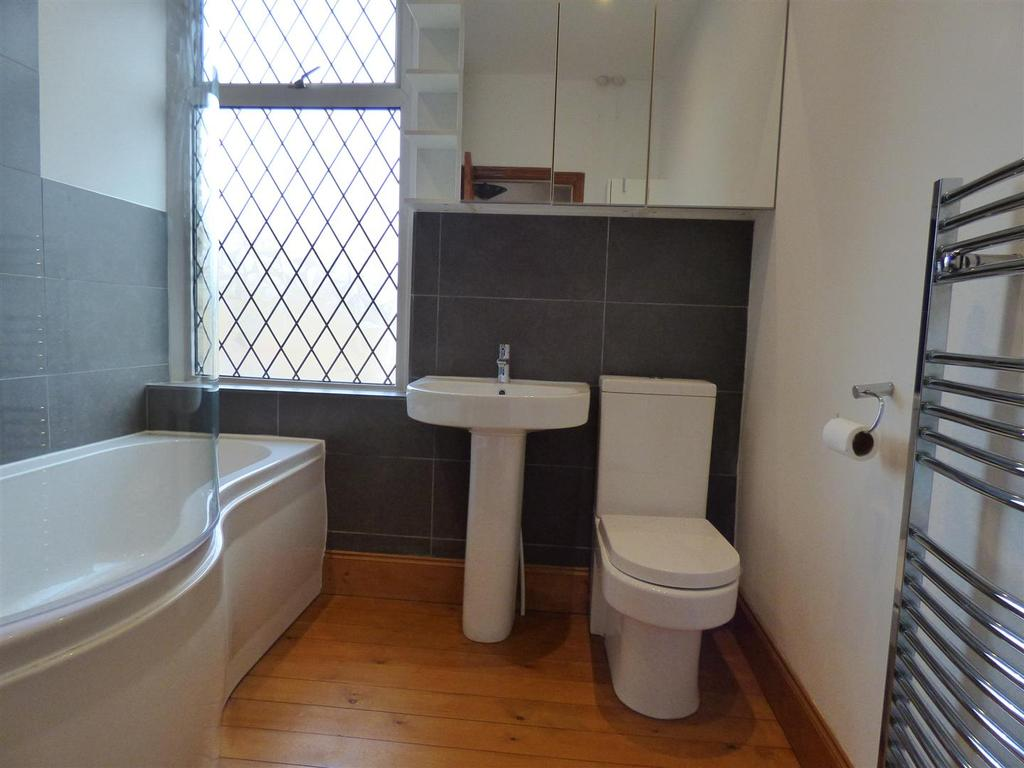 1 Bedroom Terraced House for sale in Glencoe Terrace, Liversedge
