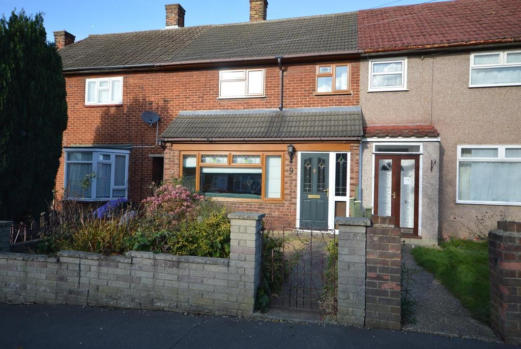 2 Bedrooms Terraced House for sale in Redruth Road, Romford, RM3