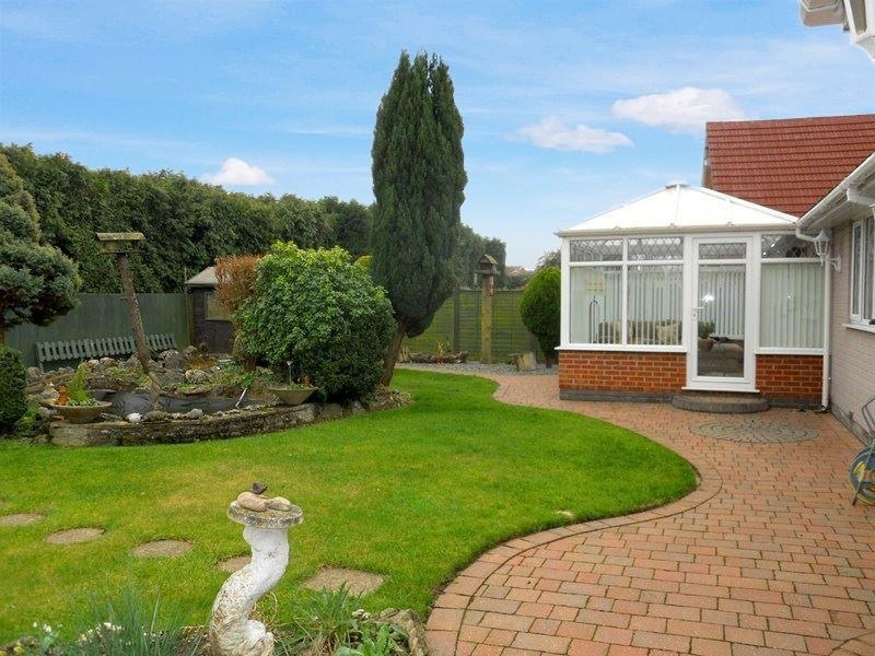 3 Bedrooms Detached Bungalow for sale in Sheriff Highway, Hedon, Hull