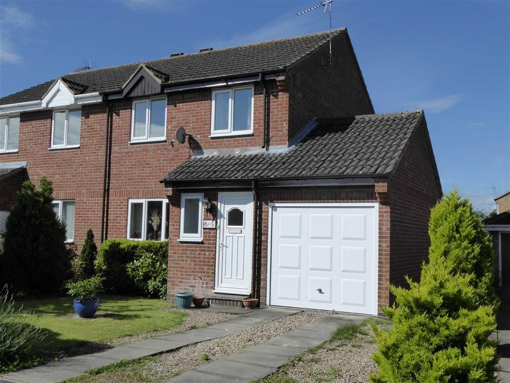 3 Bedrooms Semi Detached House for rent in Bracken Road, Driffield, East Yorkshire