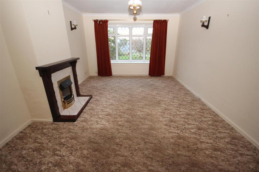 2 Bedrooms Semi Detached Bungalow for sale in Brandon Close, Fens, Hartlepool