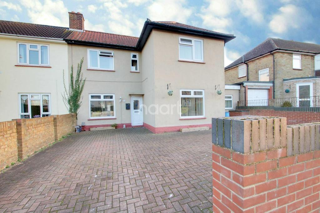 3 Bedrooms Semi Detached House for sale in Dunkirk Drive, Chatham