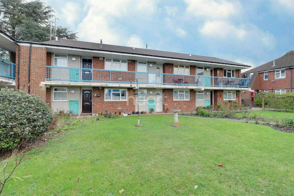 1 Bedroom Flat for sale in Church Road, Sutton At Hone, DA2