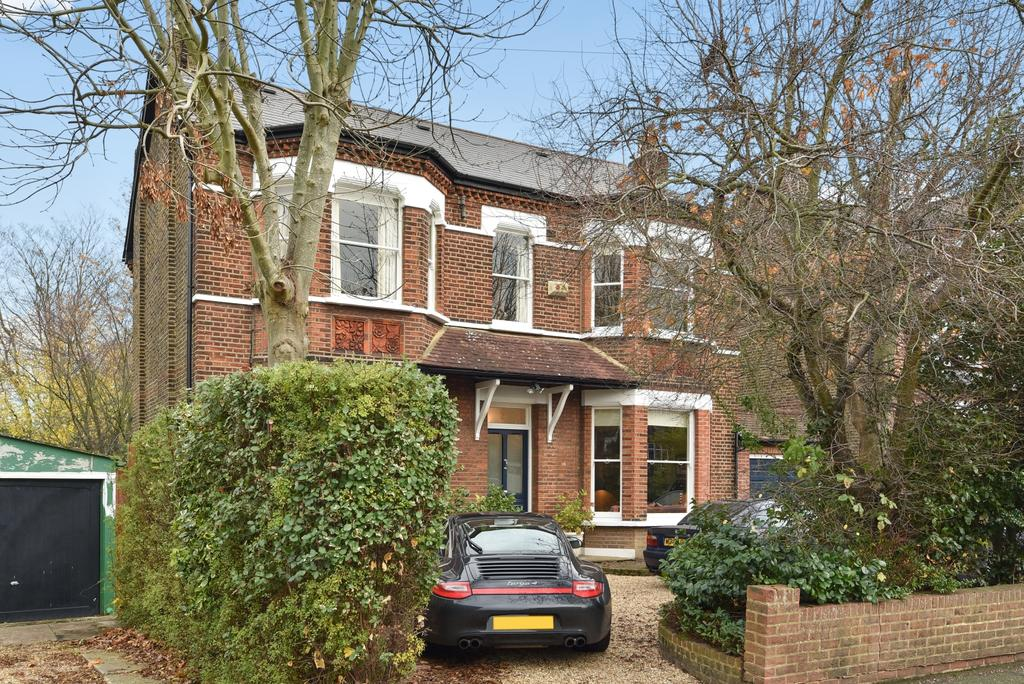 5 Bedrooms Detached House for sale in Warminster Road South Norwood SE25