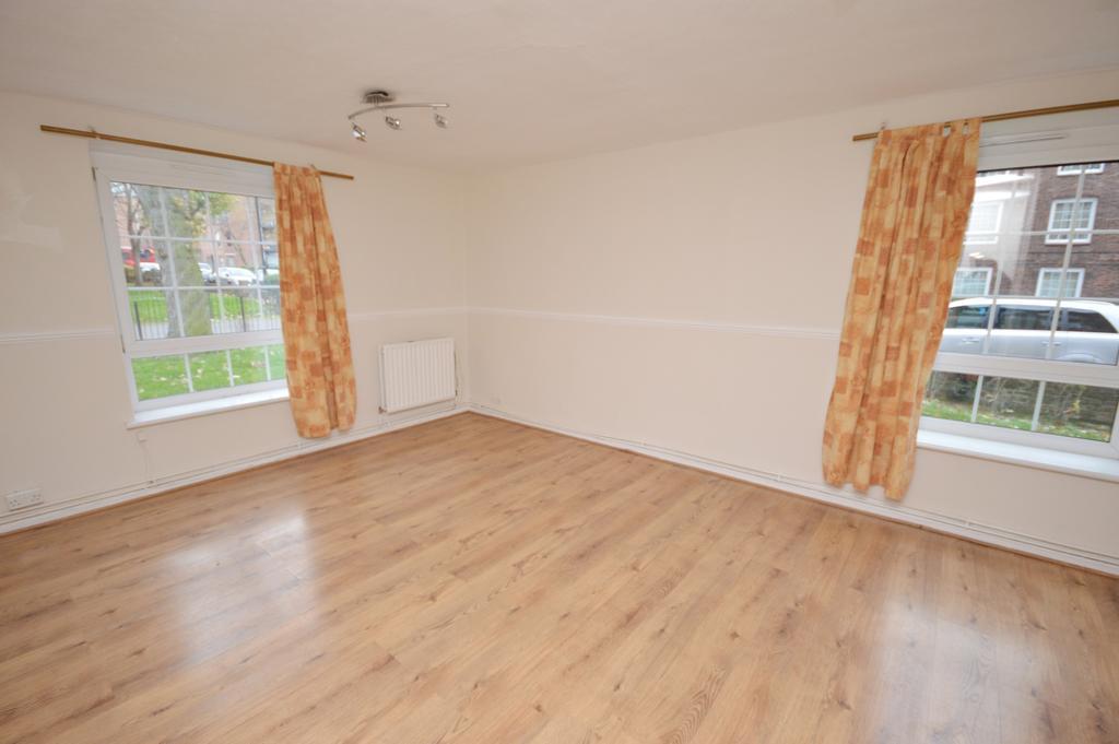 2 Bedrooms Flat for sale in Barville Close Brockley SE4