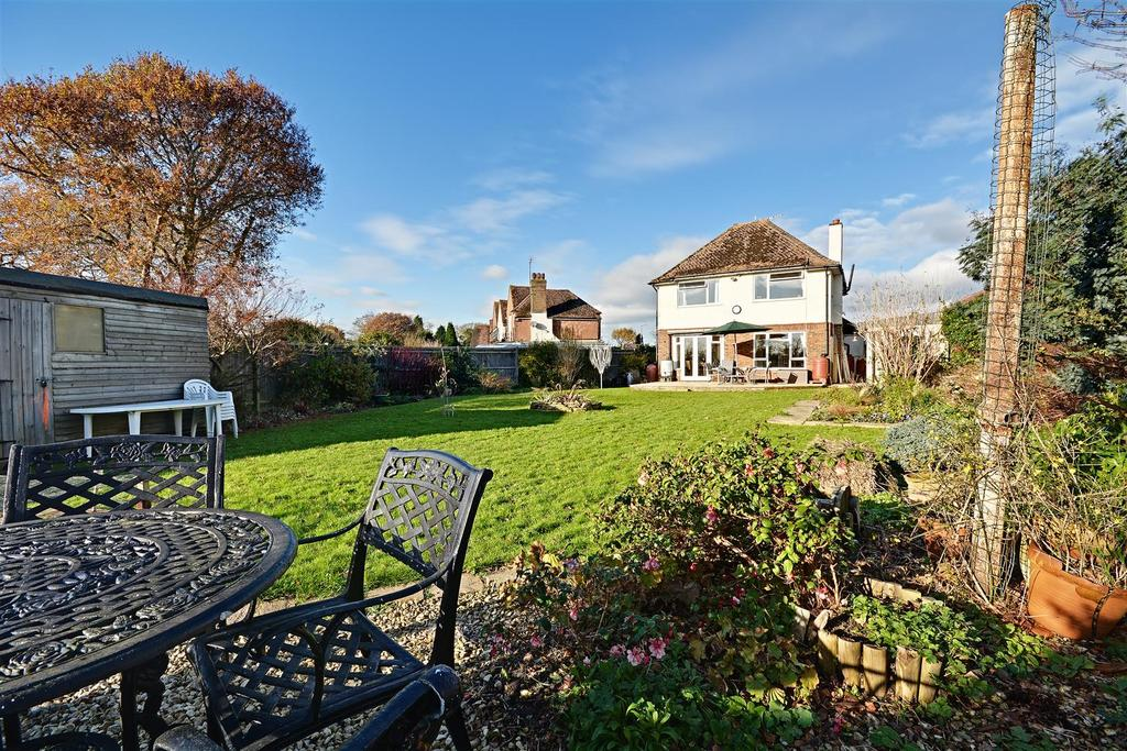 3 Bedrooms Detached House for sale in Thorne Crescent, Bexhill-On-Sea