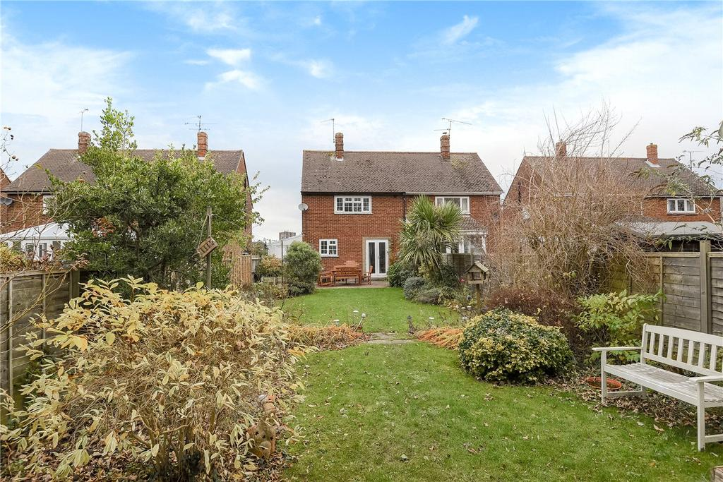 3 Bedrooms Semi Detached House for sale in Coronation Road, Basingstoke, RG21