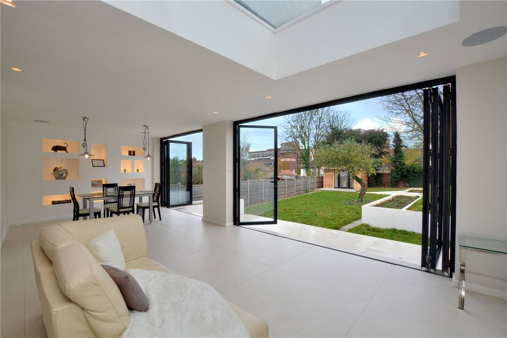 5 Bedrooms Detached House for sale in Lancing Road, Orpington, BR6