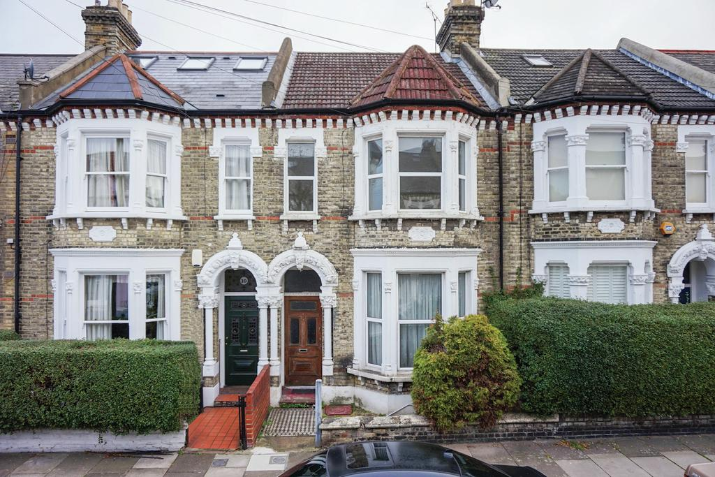 4 Bedrooms Terraced House for sale in Thirsk Road, SW11