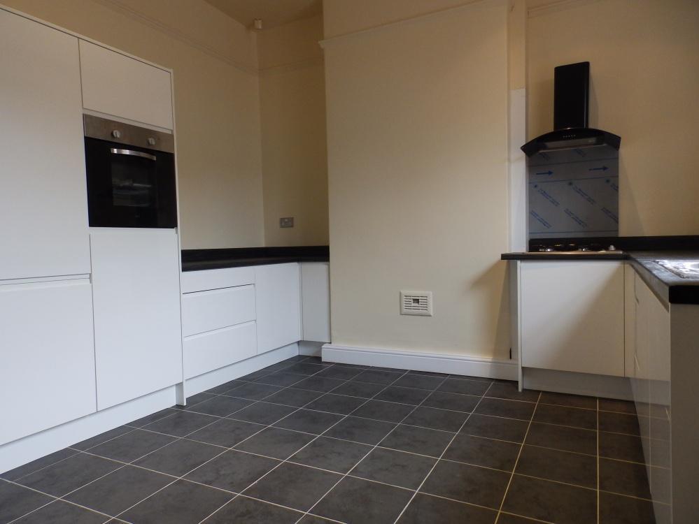5 Bedrooms Detached House for rent in Bairstow Street, Preston, PR1