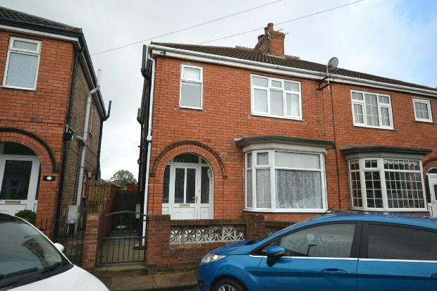 3 Bedrooms Semi Detached House for sale in Kathleen Avenue, Cleethorpes