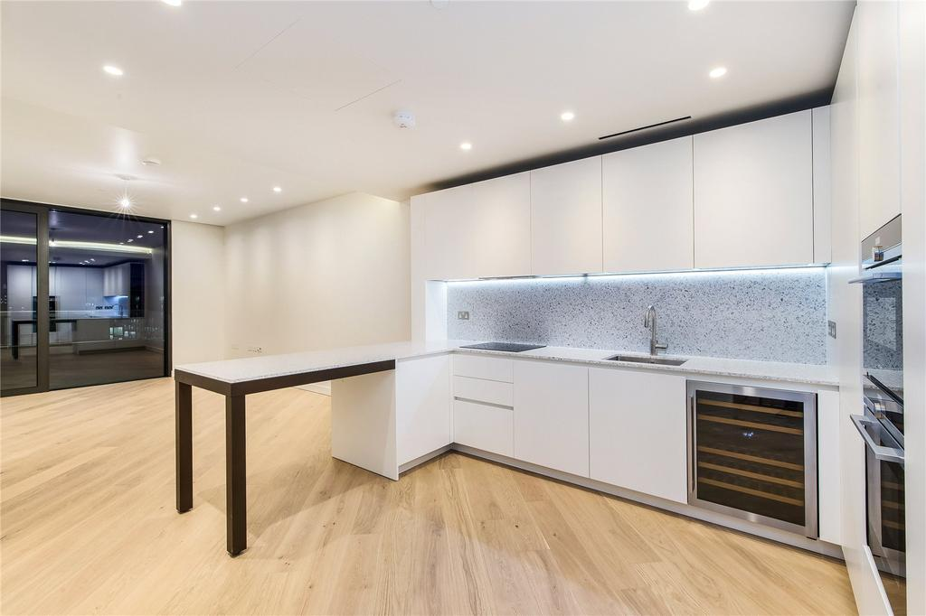 2 Bedrooms Flat for rent in Wood Crescent, London, W12