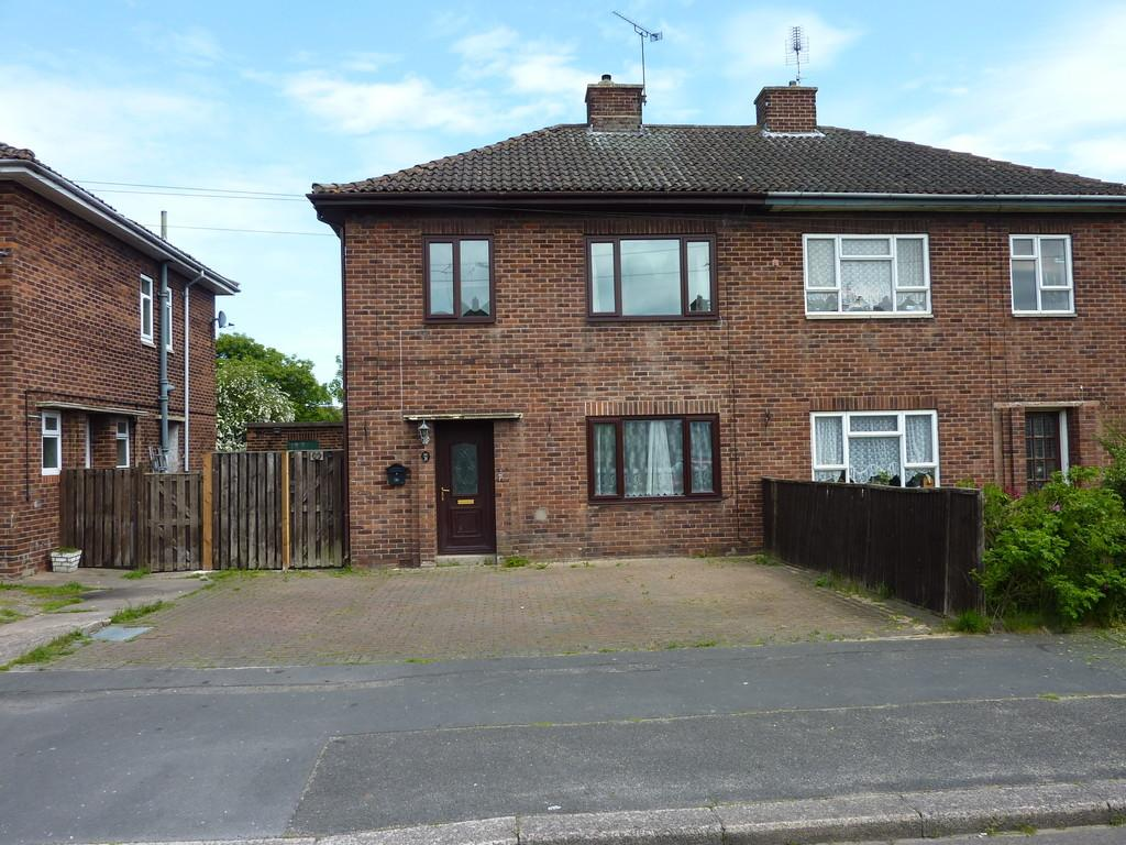 3 Bedrooms Semi Detached House for sale in Willow Holt, Retford