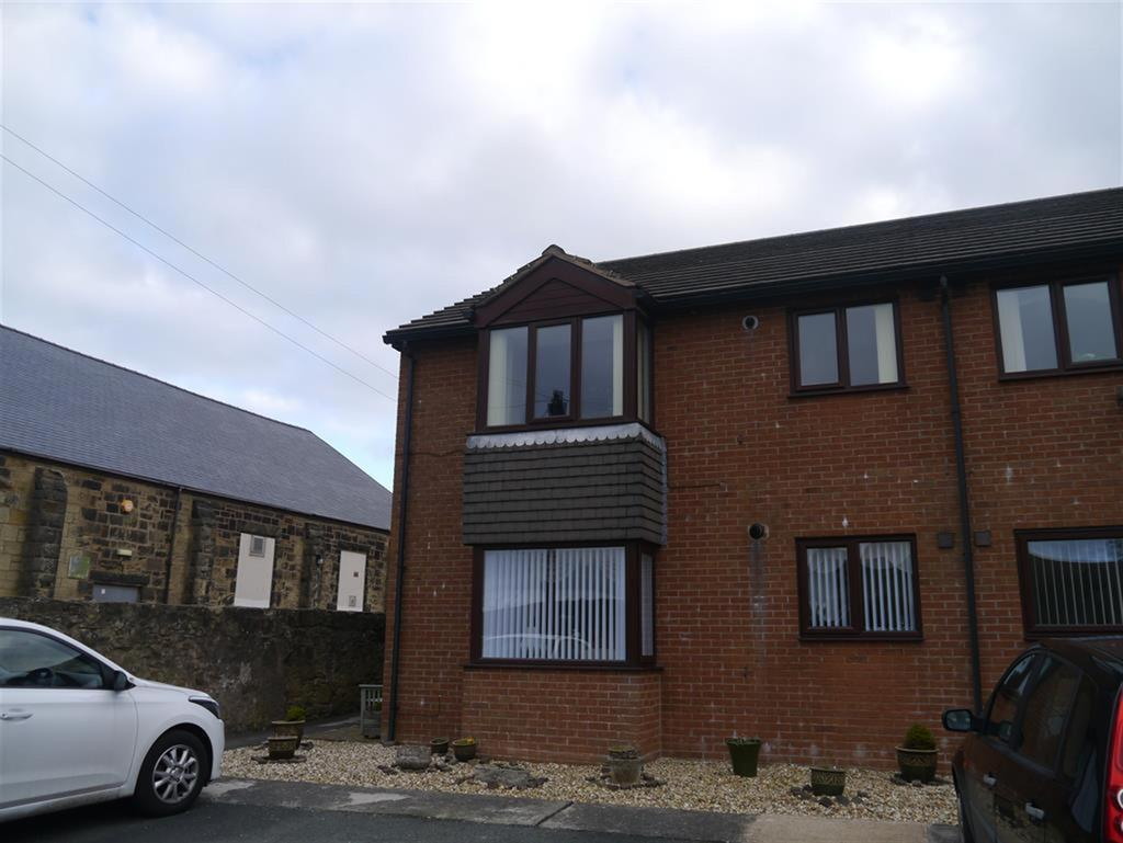 2 Bedrooms Flat for sale in Nant Court , Park Road Coedpoeth , Wrexham , LL11 3TJ