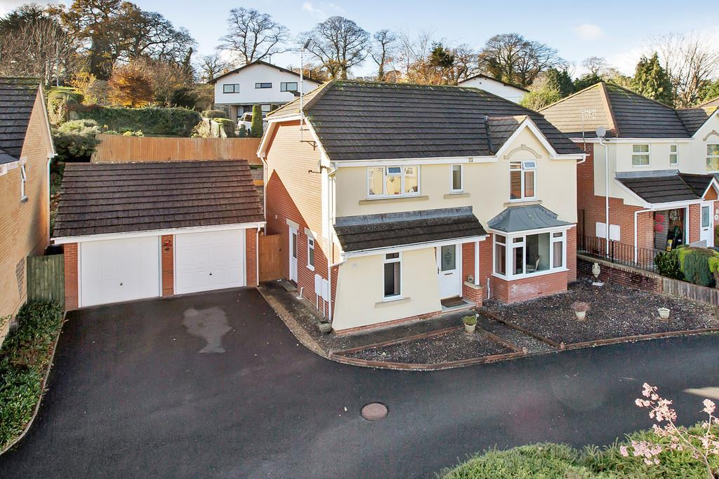 4 Bedrooms Detached House for sale in Orleigh Avenue, Newton Abbot