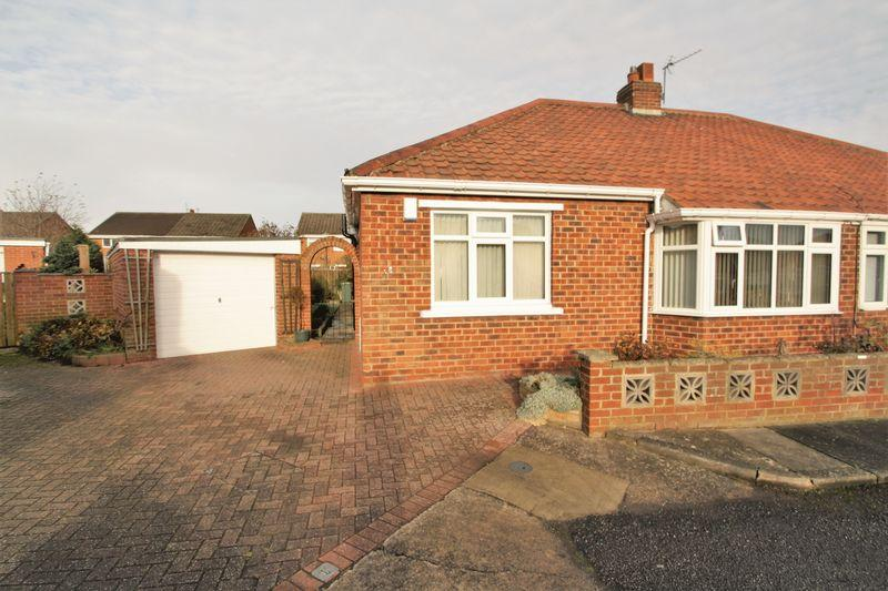 2 Bedrooms Semi Detached Bungalow for sale in Shannon Crescent, Fairfield, Stockton, TS19 7JG