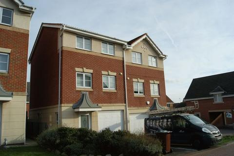 3 bedroom townhouse to rent - Bratton Drive, College Walk