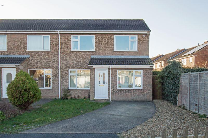 3 Bedrooms Semi Detached House for sale in Braemar Close, Stamford