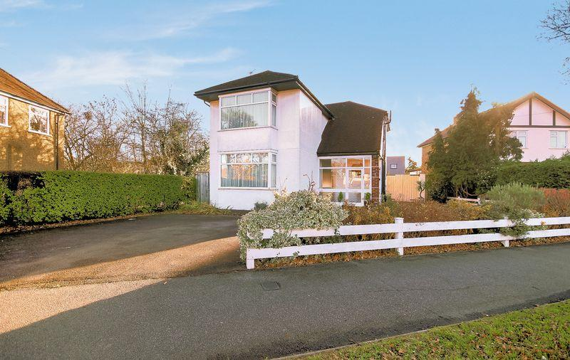 3 Bedrooms Detached House for sale in Woodmere Avenue, Shirley