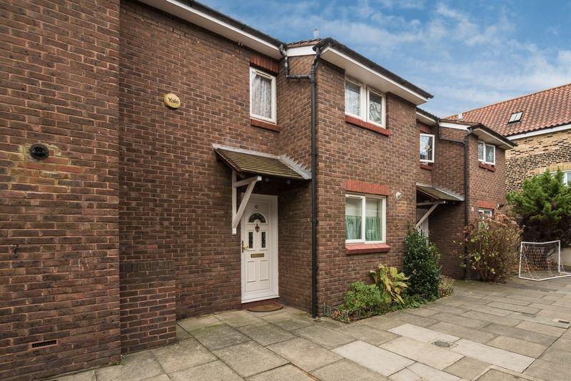 2 Bedrooms Terraced House for sale in Vaughan Williams Close, Deptford, SE8