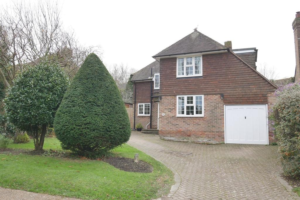 4 Bedrooms Detached House for sale in Upper Wish Hill, Willingdon, Eastbourne, BN20