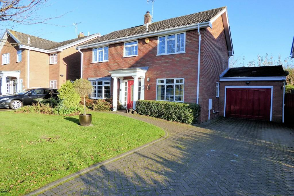 4 Bedrooms Detached House for sale in Park Road, Barton Under Needwood