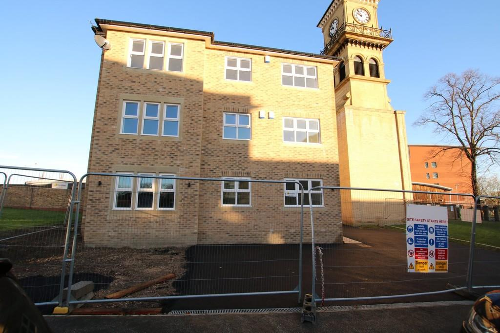 2 Bedrooms Apartment Flat for rent in Tuke Grove, Wakefield