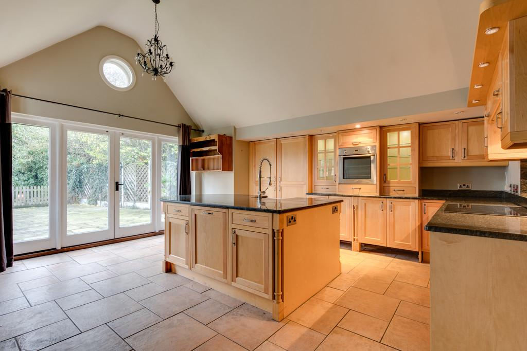 4 Bedrooms Detached House for sale in Church Road, Cressing