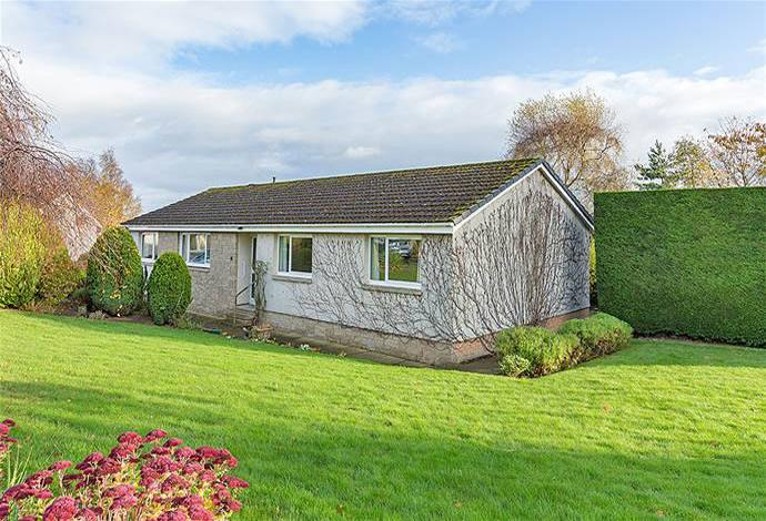 4 Bedrooms Bungalow for sale in Tupelo, 1 Spylaw Park, Kelso, TD5 8DS