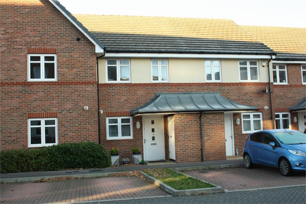 2 Bedrooms Terraced House for sale in Kenley Place, FARNBOROUGH, Hampshire