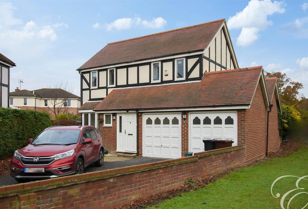 4 Bedrooms Detached House for sale in Rye Close, Stanway, Colchester