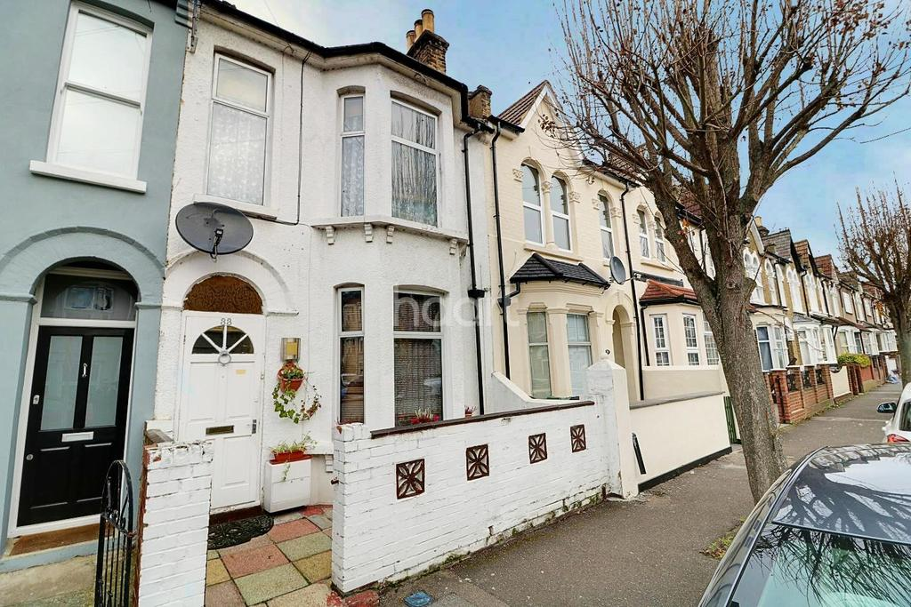 3 Bedrooms Terraced House for sale in Glenthorne Road, Walthamstow
