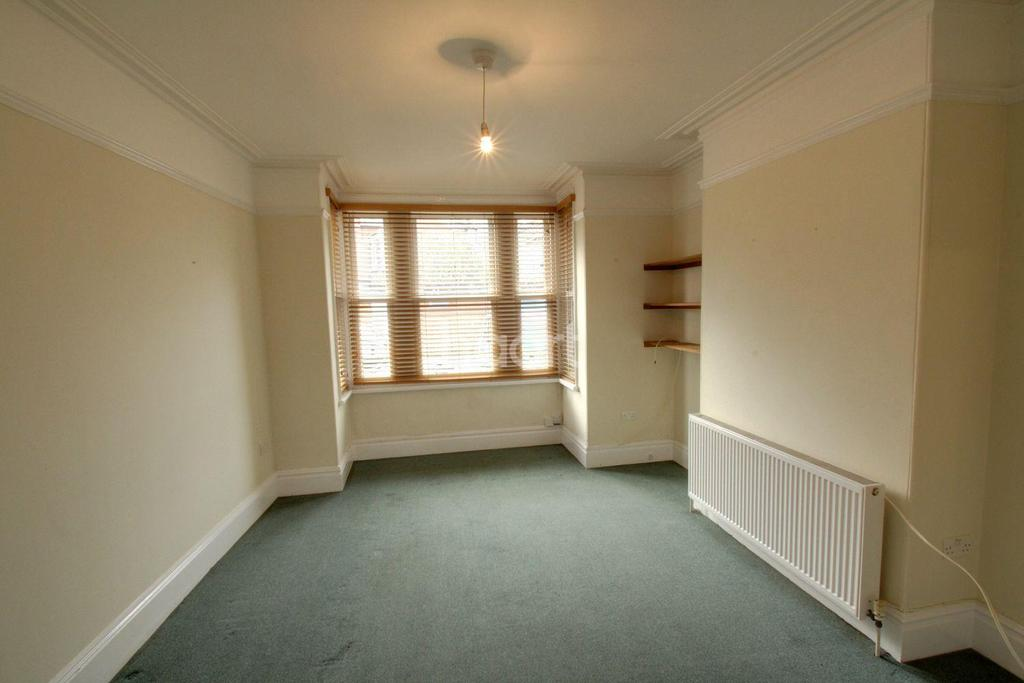 2 Bedrooms Flat for sale in Thurlow Road
