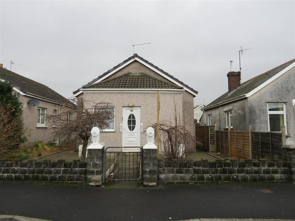 3 Bedrooms Bungalow for sale in Derwent Street, Llanelli