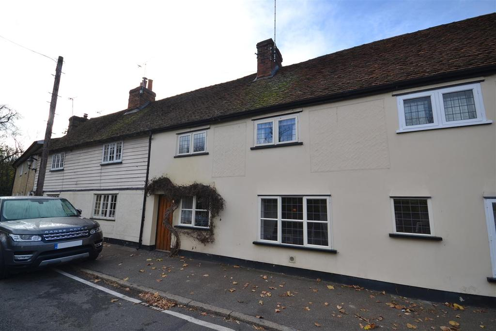 4 Bedrooms Cottage House for sale in High Street, Bradwell-on-Sea
