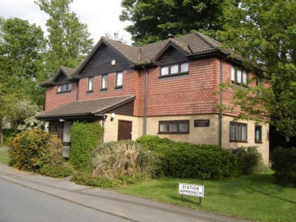 Studio Flat for sale in COULSDON, SURREY