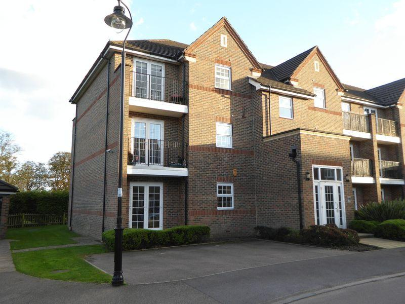 2 Bedrooms Apartment Flat for sale in Beckett Road, Netherne on the Hill, Coulsdon