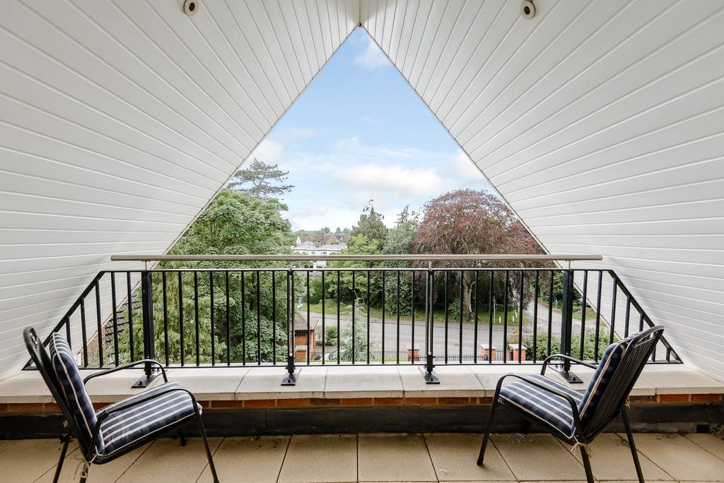 2 Bedrooms Apartment Flat for sale in Gerrards Cross
