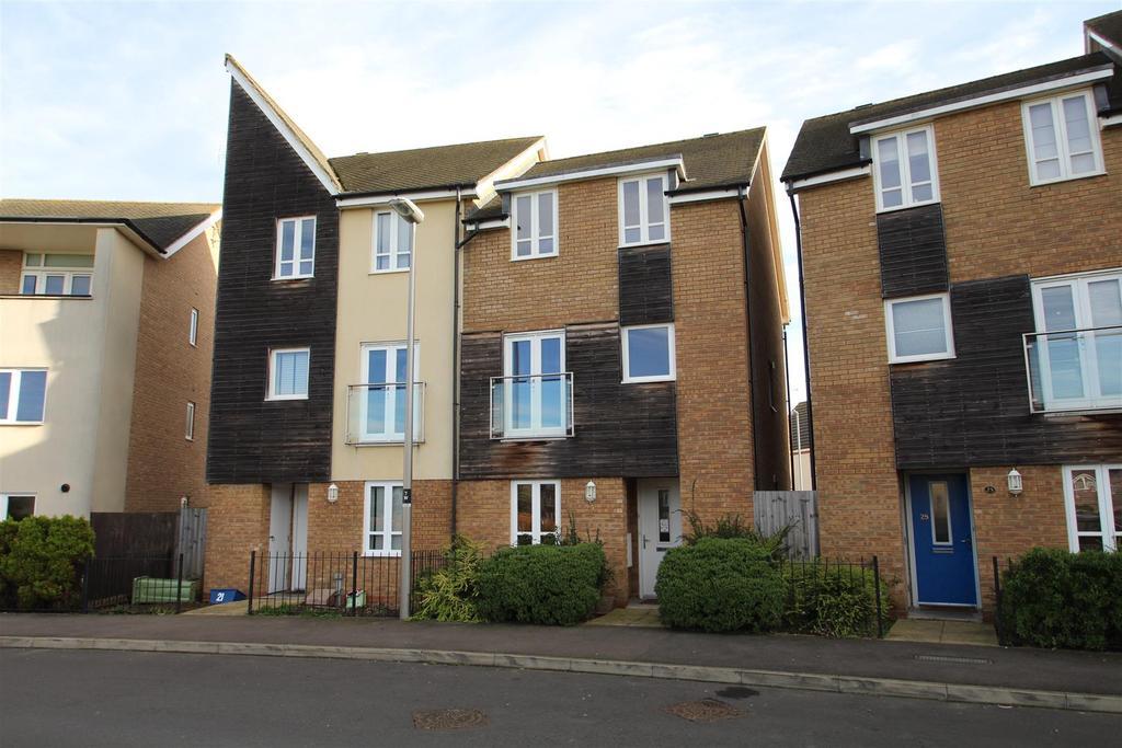 5 Bedrooms Semi Detached House for sale in Wenford, Broughton, Milton Keynes
