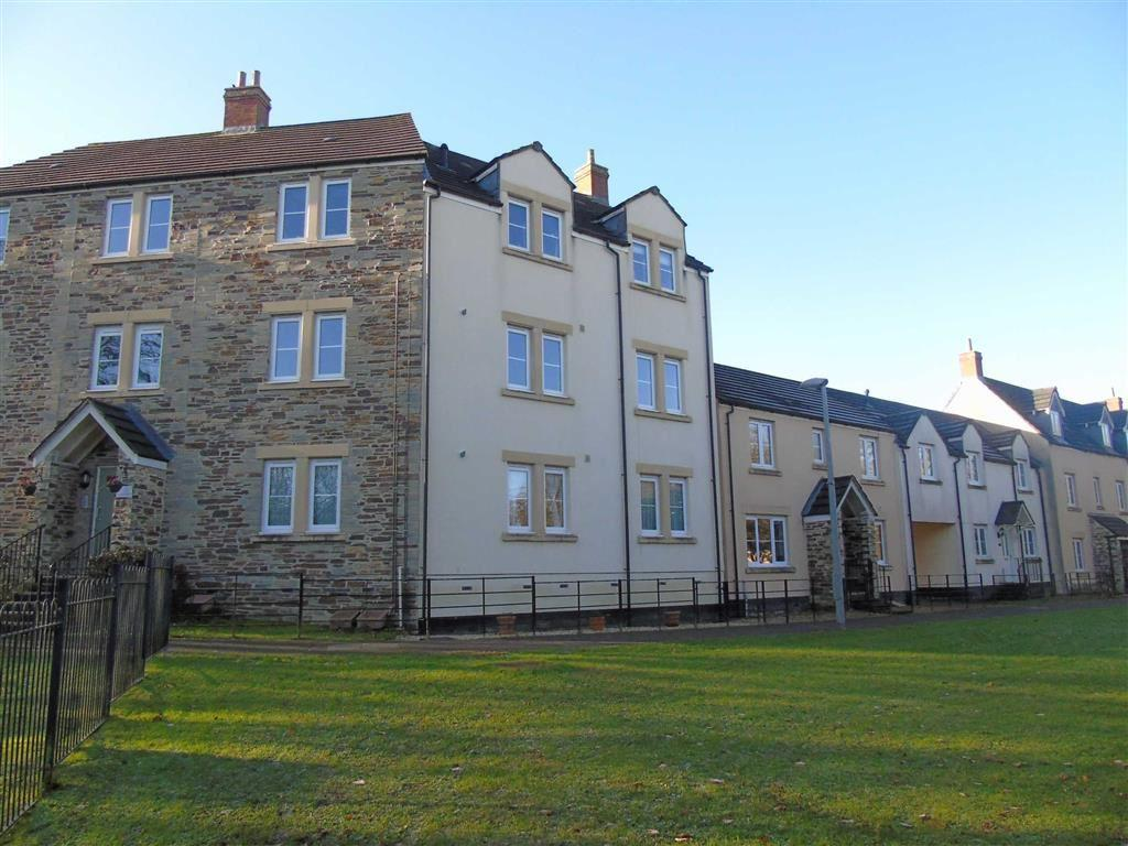 2 Bedrooms Apartment Flat for sale in Goldfinch Gardens, Tavistock, Devon