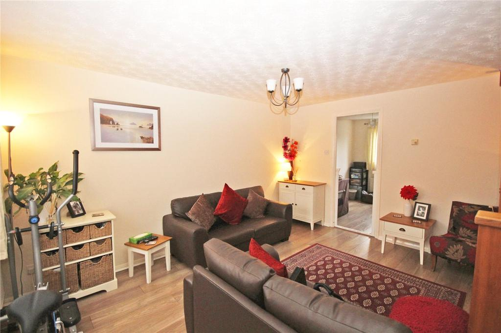 2 Bedrooms Terraced House for sale in Wellington Drive, Welwyn Garden City, Hertfordshire