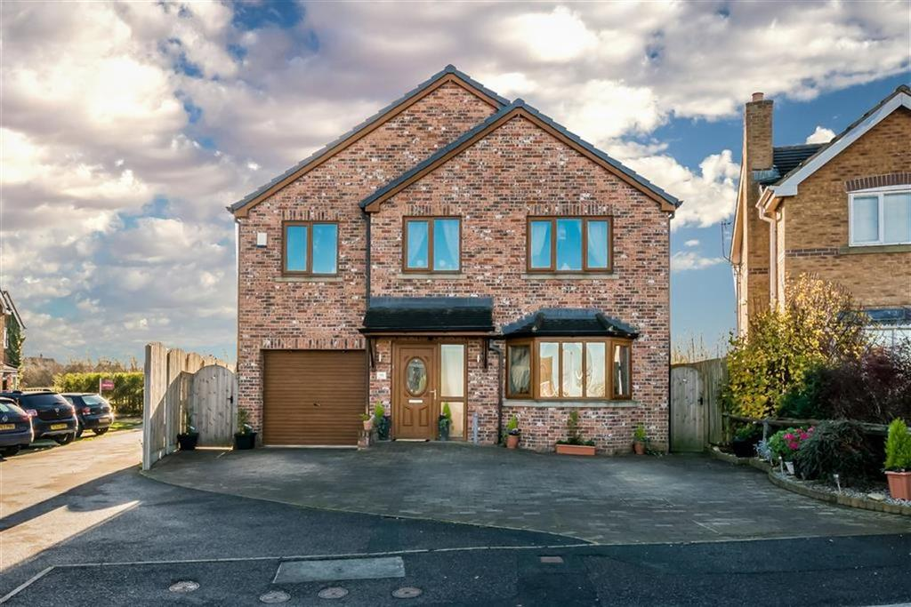 6 Bedrooms Detached House for sale in Wentworth Avenue, Emley, Huddersfield, HD8