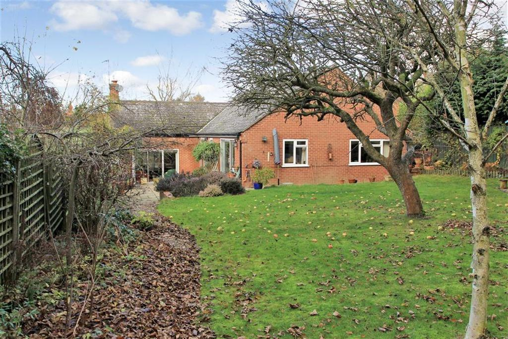 2 Bedrooms Bungalow for sale in Main Street, Gaddesby, Leicestershire
