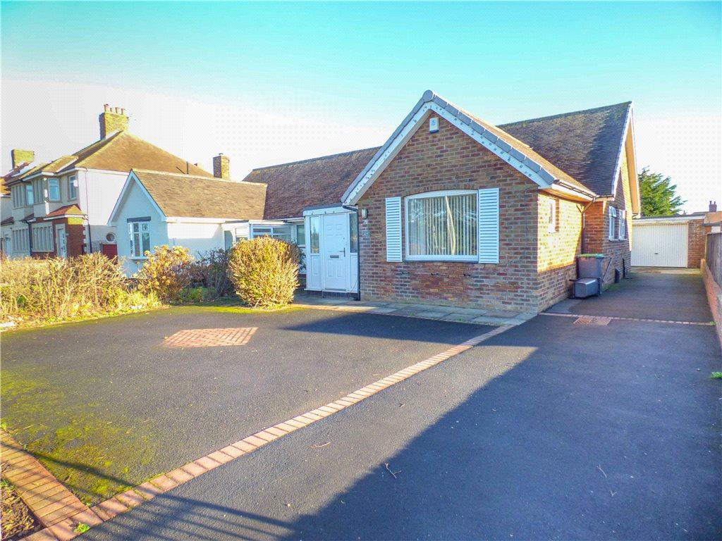 2 Bedrooms Semi Detached Bungalow for sale in Devonshire Road, Bispham, Blackpool