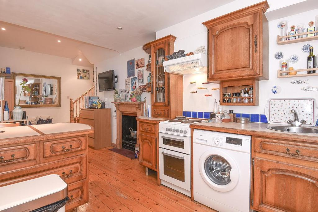 Studio Flat for sale in Filmer Road, Fulham
