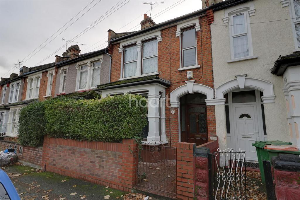 3 Bedrooms Terraced House for sale in Chesterford Road
