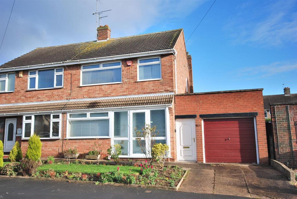 3 Bedrooms Semi Detached House for sale in Chatsworth Avenue, Radcliffe on Trent, Nottingham
