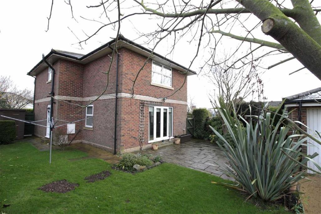 3 Bedrooms Detached House for sale in Elm Road, Driffield, East Yorkshire