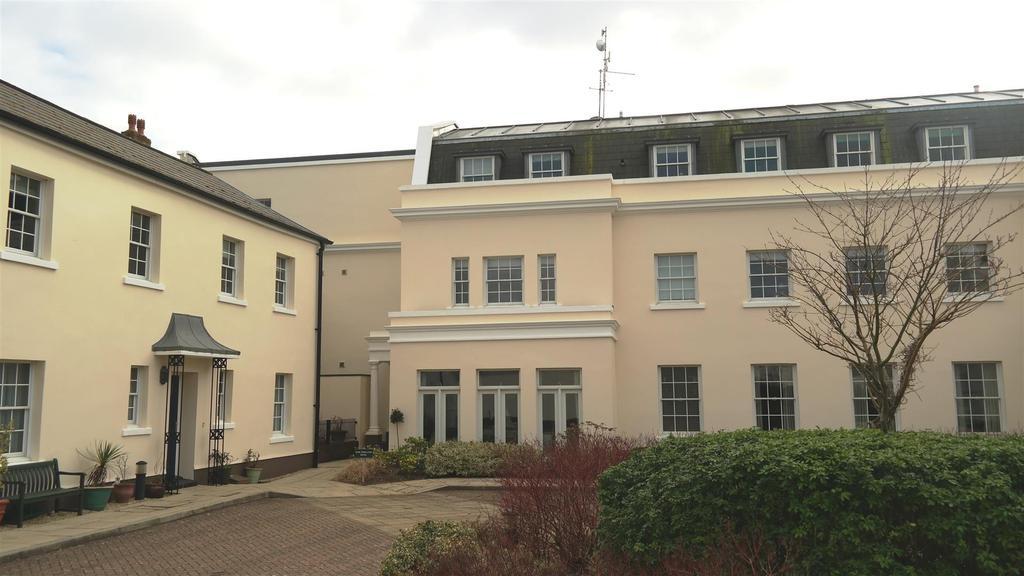 2 Bedrooms Apartment Flat for rent in Tortington, Arundel