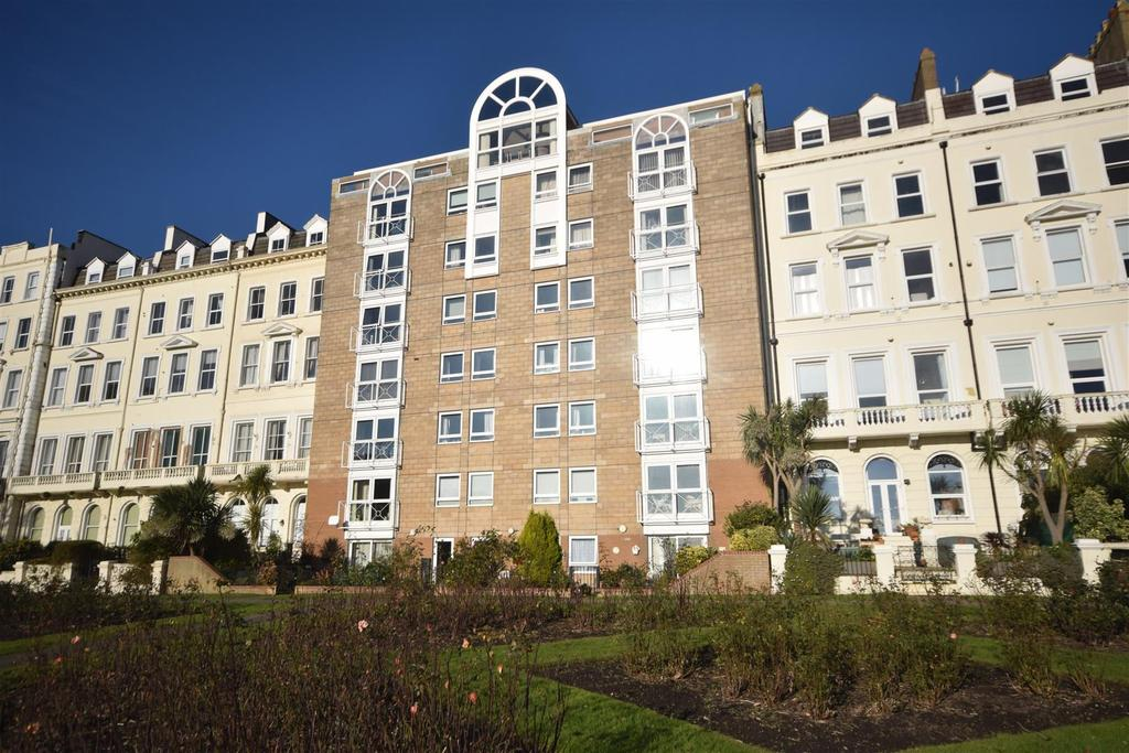 2 Bedrooms Apartment Flat for sale in Terrace Road, St. Leonards-On-Sea